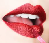 Private Label Color Cosmetics Manufacturers & Suppliers on
